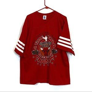 Vintage 90s Chicago Bulls Logo7 T-Shirt